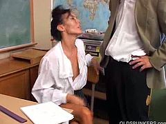 Nancy Vee teaches sexual education. An inspector came in to ask her what she does in her class and she showed it to him. He banged her and came in her mouth.