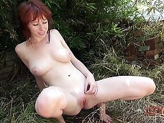 Adorably sexy pornstar Zoey Nixon wants this solo sex session to last forever