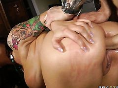 Claire Dames with phat booty and her hot Criss Strokes fuck like rabbits in anal action