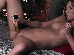 Capri Anderson with small tities and trimmed snatch gives pleasure to herself with her fingers