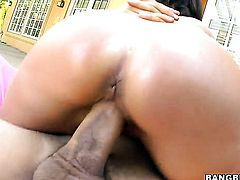 Raquel Devine with phat butt sucks like a sex crazed animal in steamy oral action