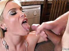 Britney Amber and Tommy Gunn have a lot of fun in this steamy sex action