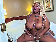 Horny ebony beauty banged.