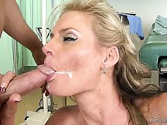 Kris Slater fucks Madelyn Marie as hard as possible in sex action