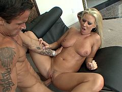 Hot ass cowgirl Carolyn Reese gets into a hardcore anal doggystyle banging session with a hot cumshot load in the mouth.