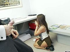 Hot Ass Rachel Roxxx In Bra Gets Screwed Hardcore In The Office