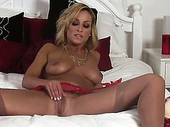 Lexi Swallow getting down all by herself