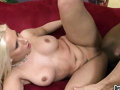 Dangerously horny vixen Sammie Spades asks her man to stick his beefy ram rod in her mouth