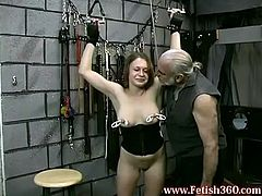 See this masochistic babe Joleen as she punish herself with some nice nipple pinching in this porn tube video.