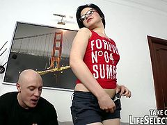 Dick gives romana a rim job and fucks her