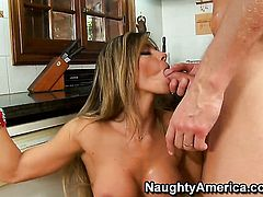 Mark Wood is one hard-dicked stud who loves fucking Esperanza Gomez with juicy butt