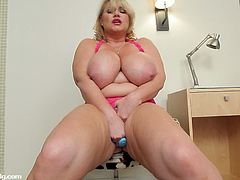 Blue toy is so lucky to have Samantha 38G as her client and here she squeezed her massive titties before getting her fat cunt drilled with it making her cum a lot.