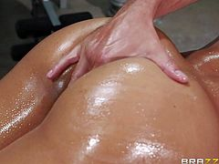 Naked oiled up sexy gymnast Sophia Fiore is a breathtaker with with natural boobs and perfect ass. Flexible girl with hot body gets her mouth banged and her asshole fingered at the gym.