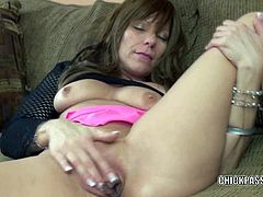 Chick Pass Amateur Network brings you a hell of a free porn video where you can see how the horny milf brandi minx plays with her twat while assuming hot positions.