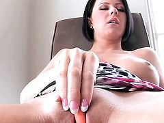 Loni Evans with big breasts and hairless cunt has some time to play with herself on cam