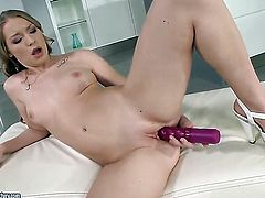 Blonde Marry Dream shows it all on camera
