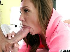 Maddy OReilly does her best to make man ejaculate in hardcore action