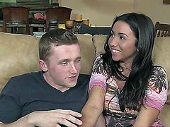 Jazmyn and Stephani Moretti give blow job with desire