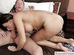 Juelz Ventura taking sex to the whole new level as she fucks with hot guy Mark Wood