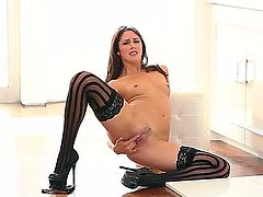 Babelicious Anna Morna ribs her trimmed pussy