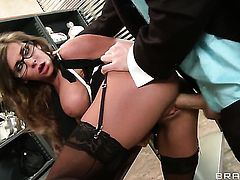 Madison Ivy with giant tits gets turned on then mouth nailed by James Deen