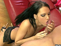 Jennifer Dark knows how to have sex! That's an understatement. When she is horny, all she has to do is call one of her boyfriends and they are ever-ready to fuck this lovely slut. But she won't give her cunt to anyone, who does not go down on her and licks her pussy real well. After all, she likes to make it really lubricated, before putting a dick in.