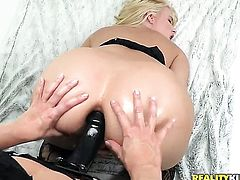 Blonde Annika Albrite getting her soaking wet honeypot fingered by lesbian Ashley Fires