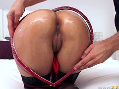 See this pretty hispanic lady with her nice, big, round ass oiled up and ready to go. But Mick here is not ready yet to drill that tight hole of Jynx. He wants to finger and lick it more and more, before stuffing it with his gigantic cock. He teases and rubs Jynx with his cock and then shove it in.
