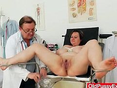 Mature tits tied up by the dirty doctor