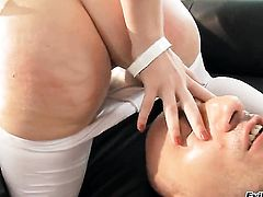 Omar Galanti uses his sturdy cock to make Isabella Clark happy after she gives suck job