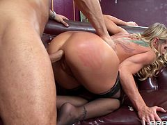 Horny blonde cougar gets her asshole screwed hardcore after getting a hot rim job