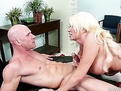 Johnny Sins gets his always hard schlong sucked by Summer Brielle with gigantic melons