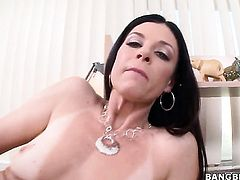 India Summer with bubbly booty finds her pussy dripping wet after cock stroking