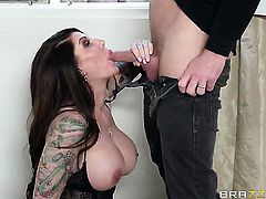 Johnny Sins gets seduced by Darling Danika with giant jugs and then bangs her mouth