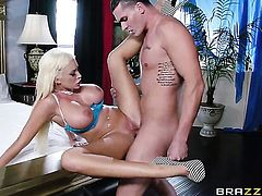 Clover makes Summer Brielle gag on his beefy love torpedo