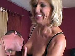 This mov features that Mature Milf Mom Named Debbie Lien and that chabre this Babe got paired involving the much younger guy. Debbie lien Starts by exAmining his package about that chabr lips and tthis guyn began tAking off that guyr outfit and took hard cock shoving inside that chabr bald cooter.