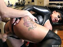 Kerry Louise loses control after Danny D puts his stiff fuck stick in her mouth