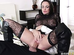 Keiran Lee gets seduced into fucking by Alektra Blue with big hooters