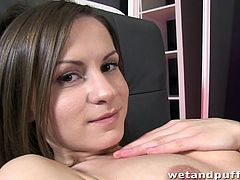 pussy pump fun for pretty brunette babe xara