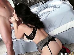 Jayden Jaymes does wild things with hard dicked fuck buddy Johnny Sins