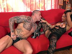 Dunia Montenegro gets a very special visit, Beefcake of the Spanish porn: Rob Diesel. He will fuck this ebony babe with all the strength in his body, Dunia puts much hard sex seeking pleasure with the slight touch of pain.