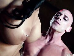 Johnny Sins touches the hottest parts of pretty Amber Coxs body before he fucks her mouth