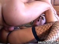 Bitchy chick in fishnet stockings Annie Cruz gets anally drilled