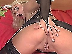 Vika Black Anal Machine