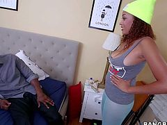 Big breasted ebony babe Serena Ali exposes her thick ass and her neat bald pussy after she takes off her pantyhose. She shows her naughty bits on a playful manner. Watch and enjoy!