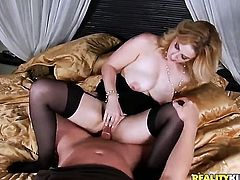 Blonde with juicy melons and shaved twat enjoys guys beefy rock solid sausage in her sweet mouth