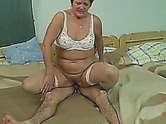 Older woman getting ready for a good anal pounding