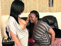 Kendra Secrets and Aryana Starr have lesbian sex of their lifetime