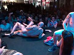 Leche 69 at the Erotic Show of Levante in Alicante when raising the temperature of the peninsular east. The girls and boys gave everything they had on stage.