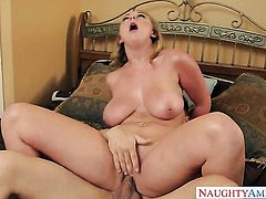 Bruce Venture uses his throbbing cock to make Brooke Wylde with juicy butt and bald twat happy